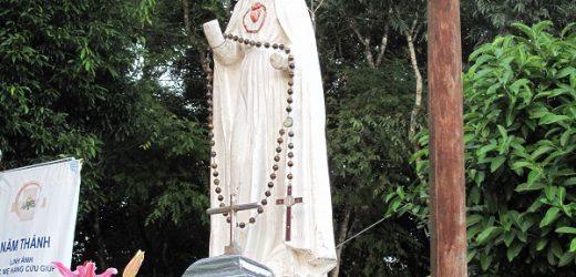 Lễ Đức Mẹ Măngđen 2015