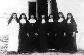 Cộng Đoàn Nữ Tu Mến Thánh Giá Quy Nhơn Tại Giáo Xứ Tân Hương