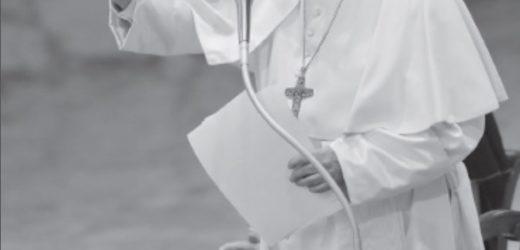 Chầu Mình Thánh Chúa Trong Tháng Truyền Giáo Ngoại Thường