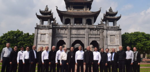 Đức Tân Tổng Giám mục Giuse Nguyễn Năng Tiếp Phái Đoàn Tổng Giáo phận Sài Gòn- Tp. HCM