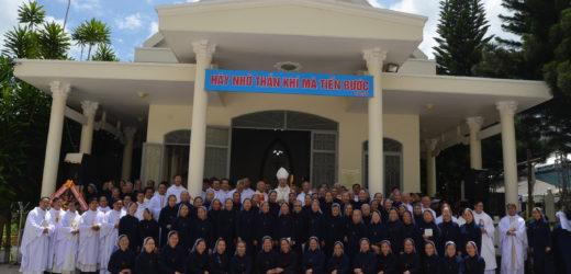 Hội Dòng Con Đức Mẹ Vô Nhiễm Mừng 50 Năm Phục Vụ Tại Giáo Phận KonTum