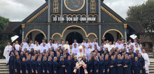 Hội Dòng Ảnh Phép Lạ Kon Tum Mừng Bổn Mạng Và Hồng Ân Kim Khánh Khấn Dòng