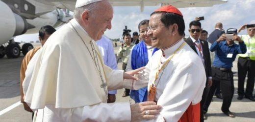 Đức Hồng Y Charles Maung Bo Chào Mừng Đức Thánh Cha Viếng Thăm Thái Lan Và Nhật Bản