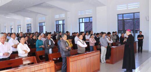 Gặp Gỡ Ca Trưởng Tại Nhà Mục Vụ Giáo Phận