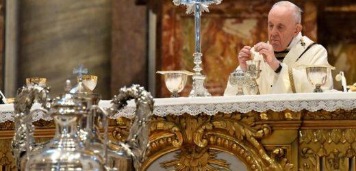 Đức Thánh Cha Cử Hành Lễ Truyền Dầu Tại Vatican