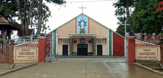 Giáo Xứ Kon Rơbang