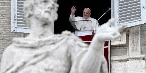 ĐTC Phanxicô: Khám Phá Sự Hiện Diện Của Chúa Trong Những Điều Bé Nhỏ Hàng Ngày