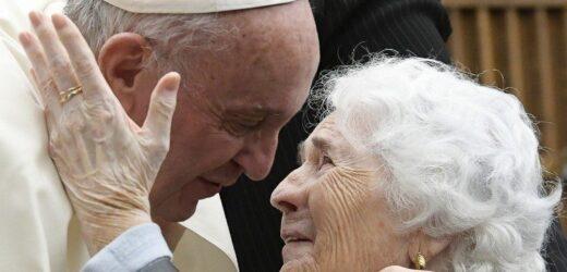 Đức Thánh Cha Ban Ơn Toàn Xá Nhân Ngày Thế Giới Ông Bà Và Người Cao Tuổi (25/07/2021)