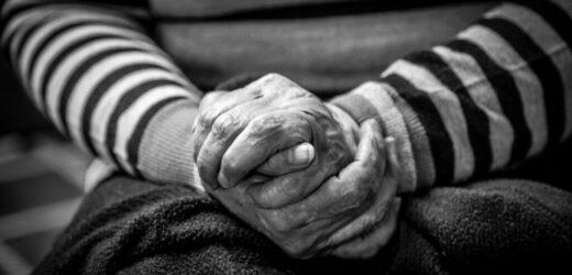 """Chúa Hằng Ban Ơn Khôn Ngoan Cho Tuổi Già Thánh Thiện Tuyển Tập """"Tuổi Già Có Chúa"""" – Phần 3"""